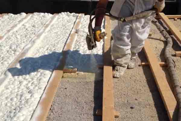 cati-tabani-beton-ustu-isi-yalitimi-sprey-poliüretan-kopuk